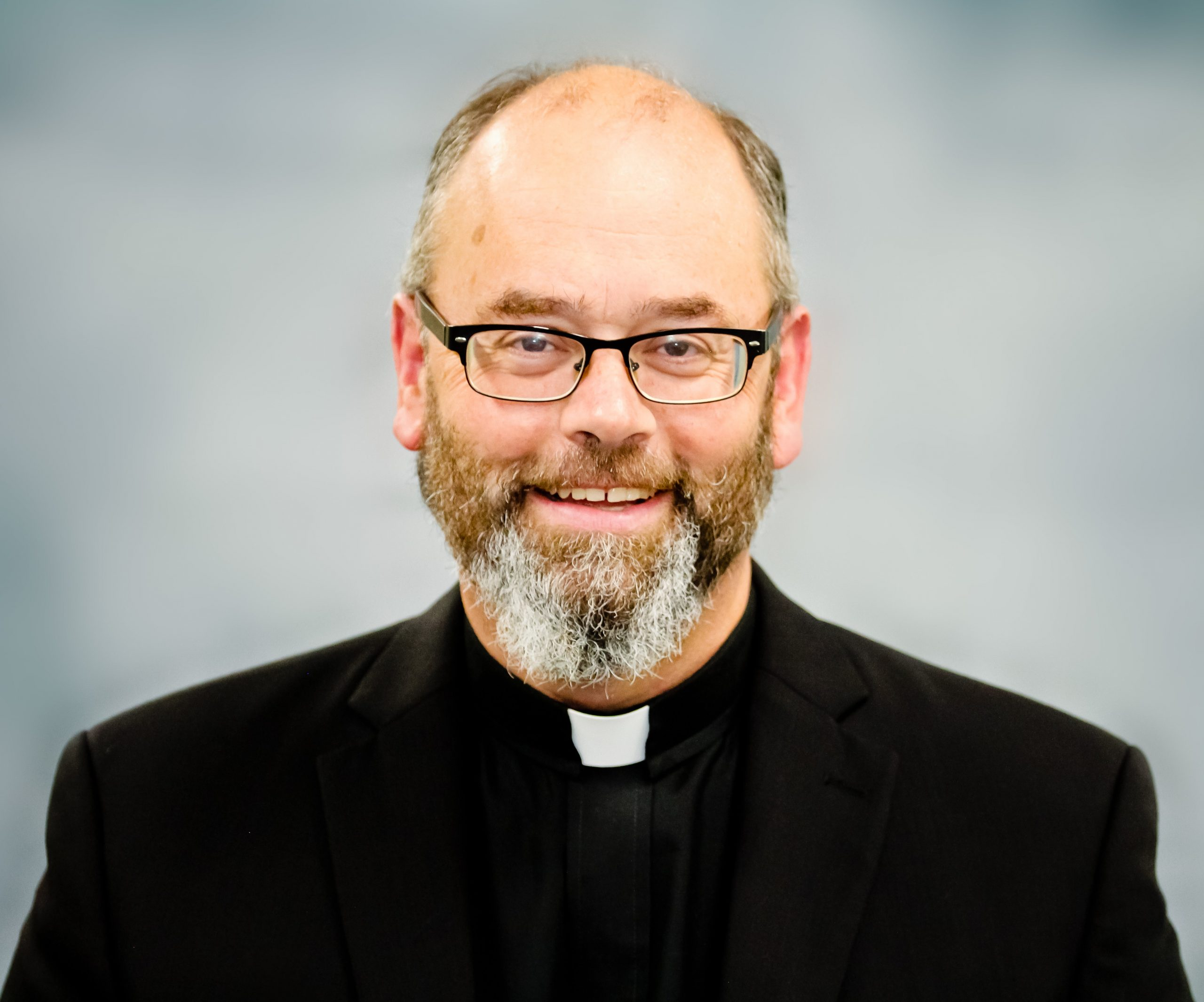 Rev. Paul Moreau : Pastor